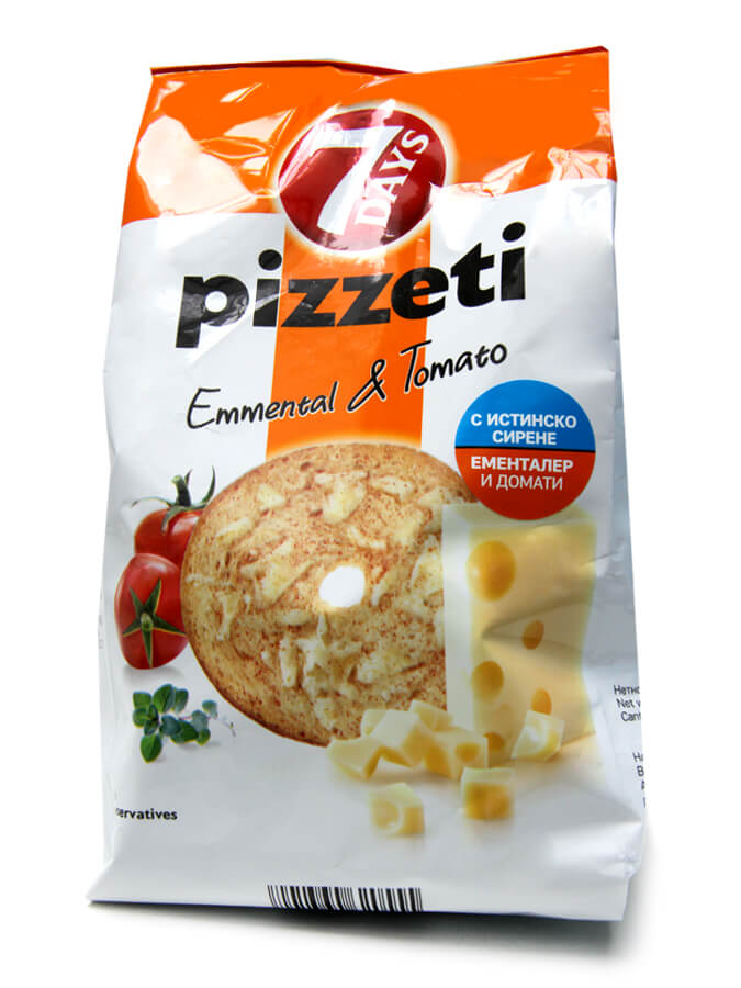 Pizzeti with emmental and tomatoes